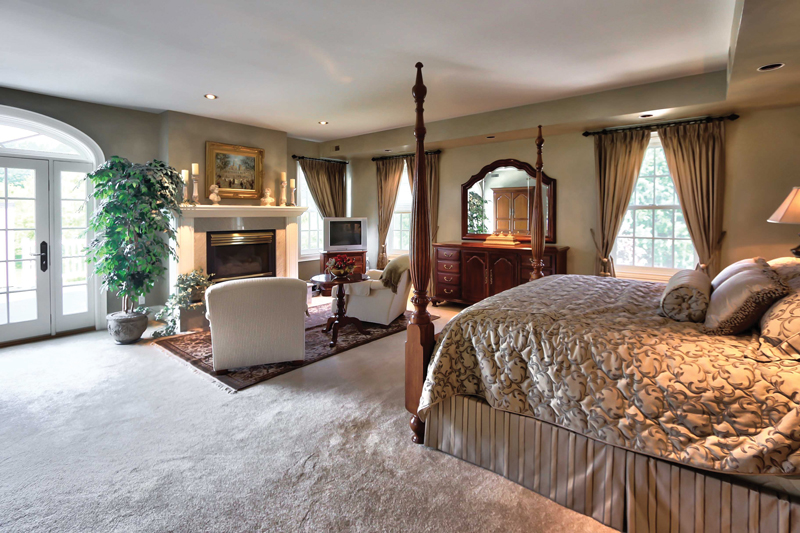 Collingwood-Estate-Master_Bedroom