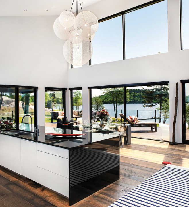 Luxurious Kitchen Lake Utopia